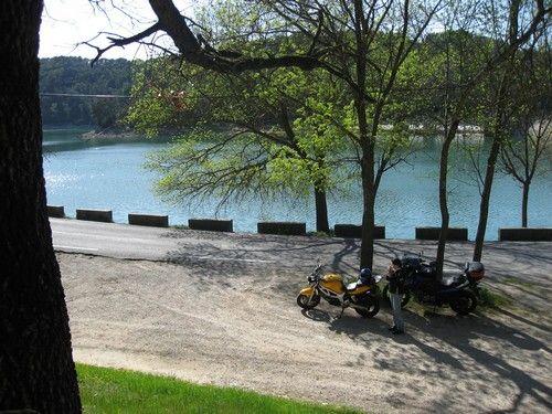 Le lac de Carcès, petite halte reposante...