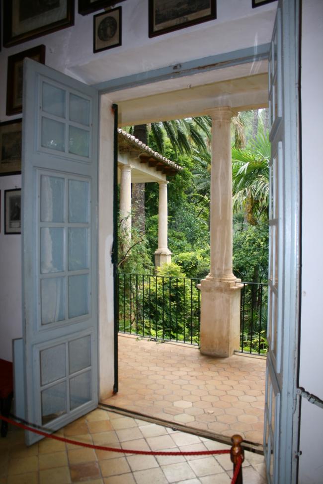 091014.10 Bunyola_Jardines de Alfabia porte donnant sur le jardin.JPG