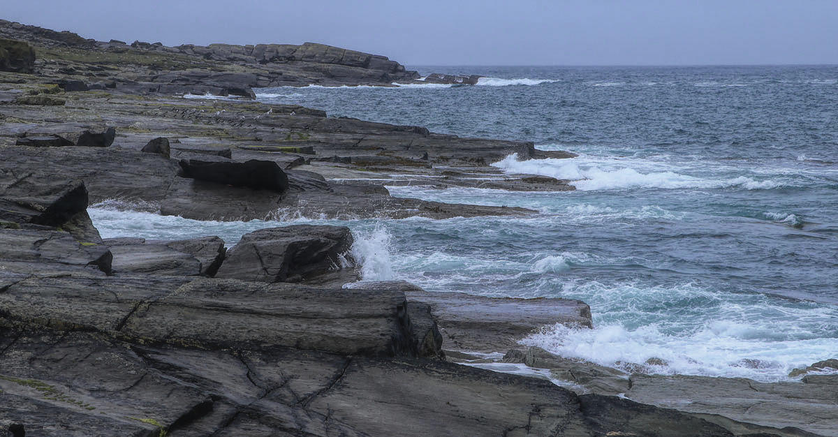 La côte sauvage de Valentia Island et ses granits noirs