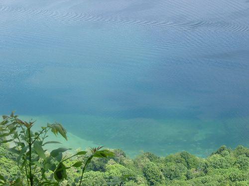(ph. tartaupomm) Lac du Bourget ...allures tropicales
