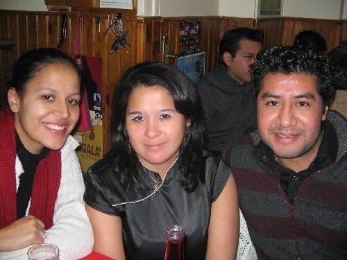 Gwenaelle (Colomibe), Mariela (Guatémala) et Julien (Salvador)