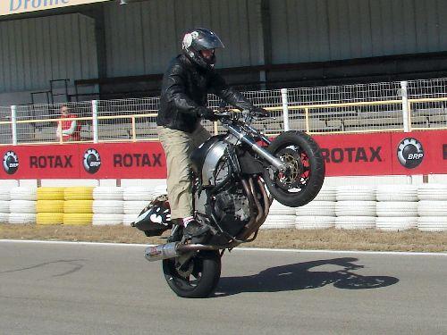Les cascades en Moto (Finale Rotax / Valence 2008)