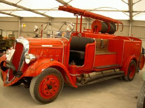 vieu camion de pompier