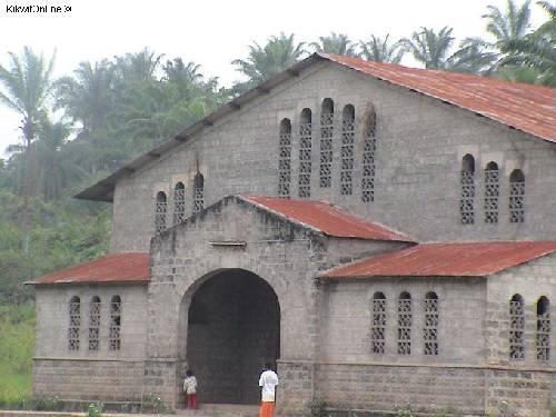 L'Église Catholique de FUMU_PUTU