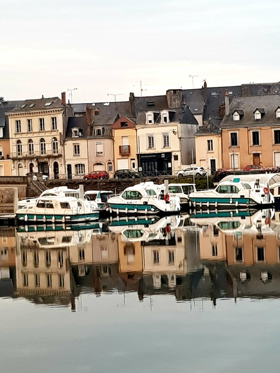 Le Port de Sablé by Sara Do.jpg