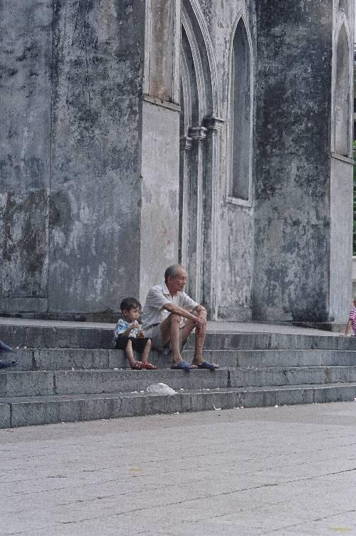 Regards sur le monde ,Hanoi