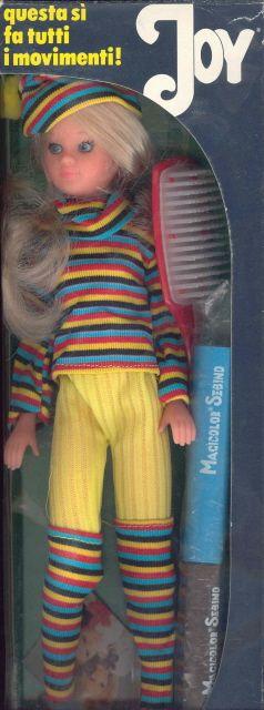 Joy en boite de 1977, une des tenues proposées dans le livret