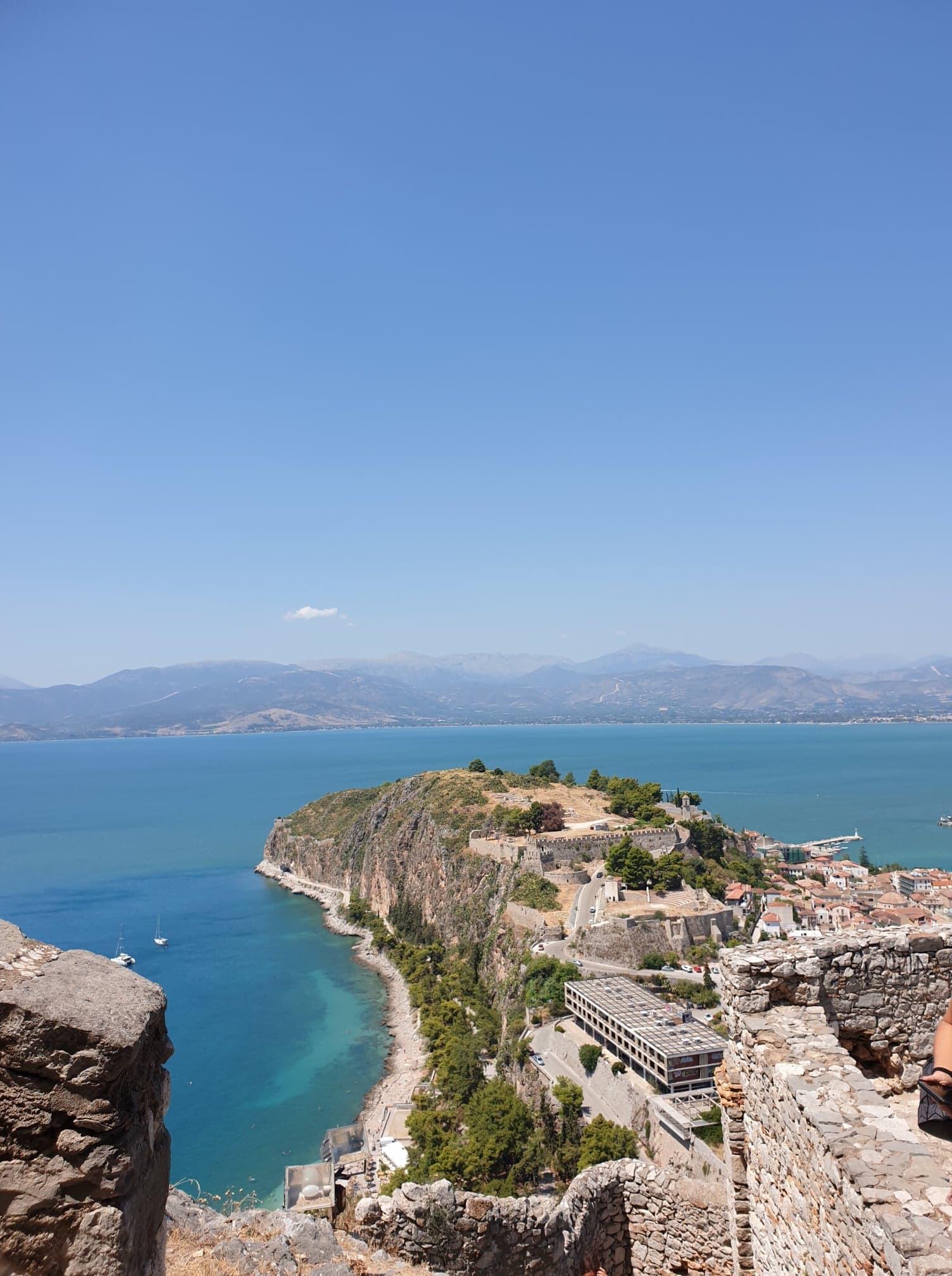 La magnifique vue de la forteresse de palamidi sur Nafplio