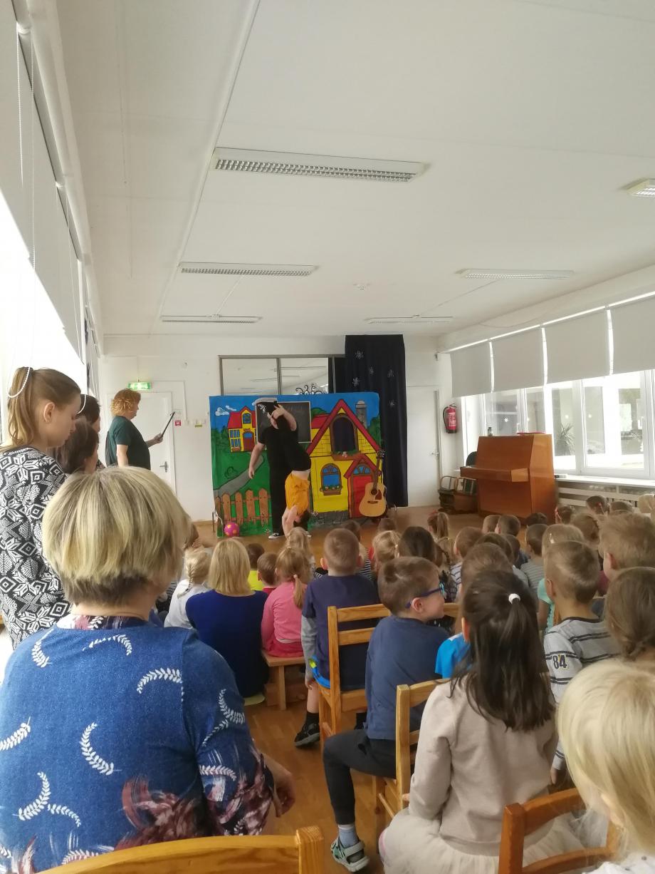 Représentation théâtral au jardin d'enfant.