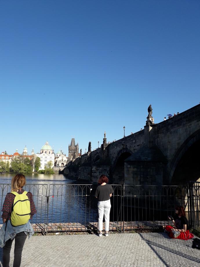 Le pont Charles et ses nombreux touristes...