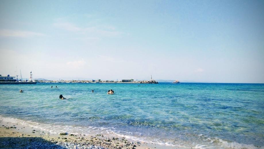 La plage de Skala à Agistri