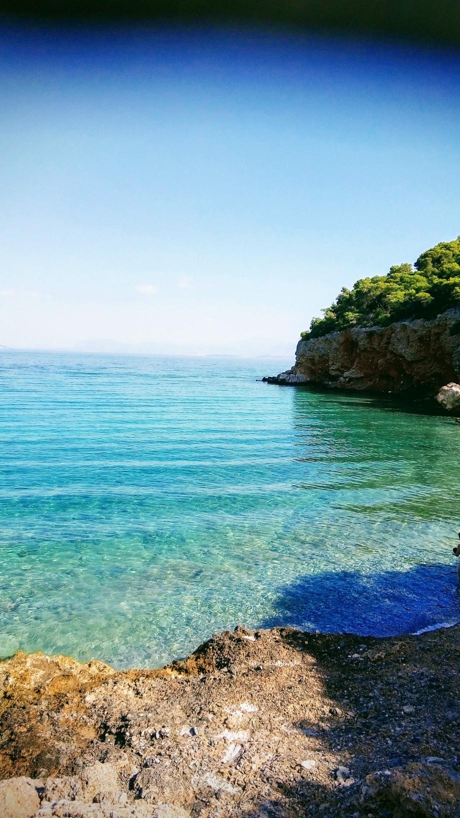 La plage de Dragonera à Agistri