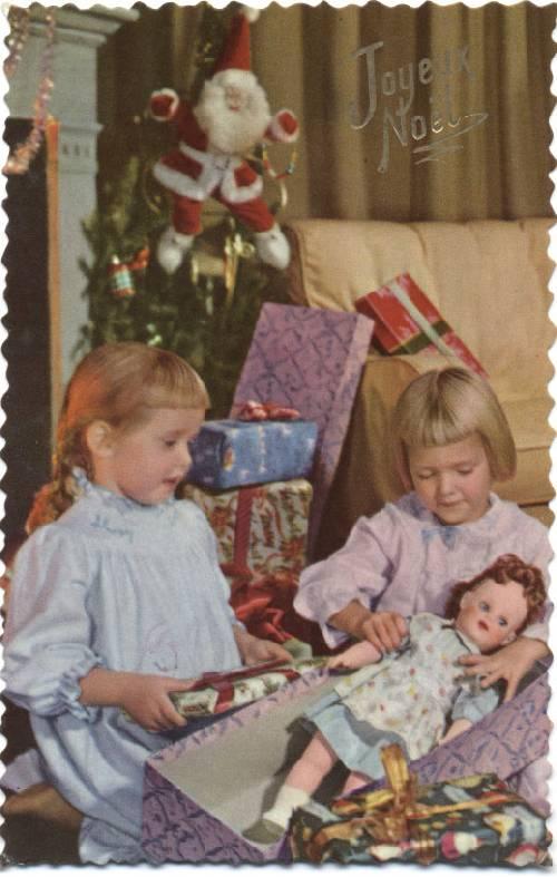CPSM. Noël des années 50 avec 1 'Saucy Walker'