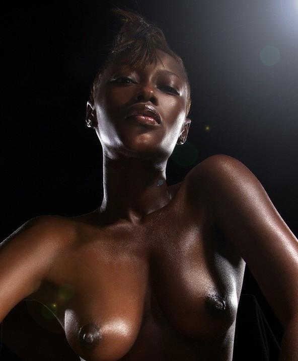 filles-noires-jolis-seins-24[1].jpg