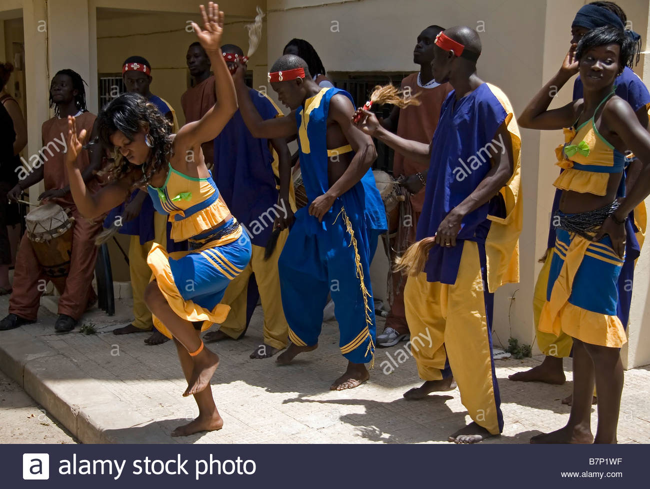 performance-by-traditional-music-and-dance-group-dakar-senegal-B7P1WF.jpg
