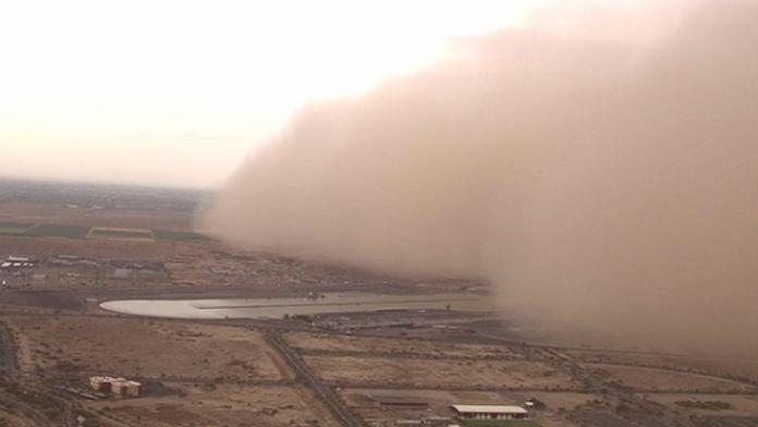 les-haboobs-de-grandes-tempetes-de-sable-sont-frequents-dans-les-regions-arides-comme-l-arizona_66629_w696.jpg