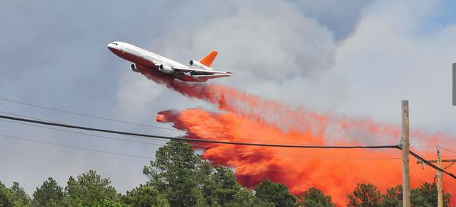 DC-10-dropping-on-Black-Forest-Fire-June-12-2013-Photo-by-Army-Natl-Guard-2nd-Lt-Skye-A-Robinson.jpg