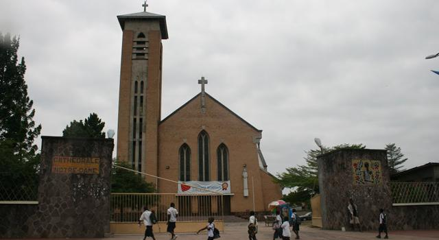 cathédrale-Notre-Dame-du-Congo.jpg