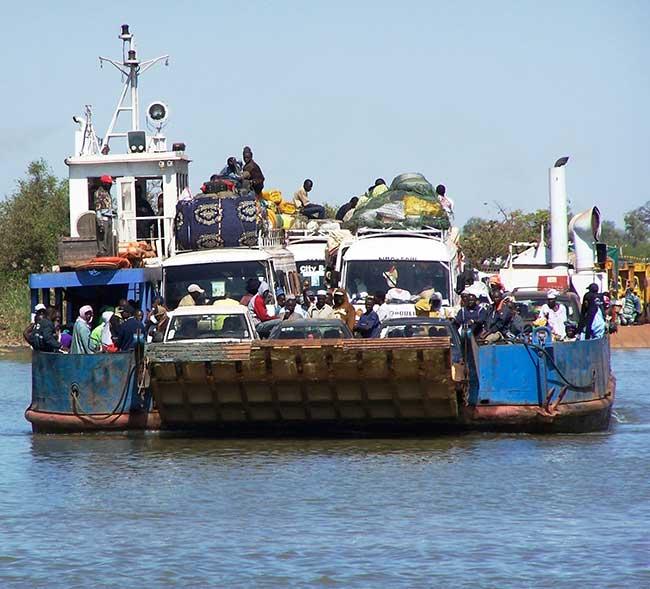 Farafenni-Ferry.jpg
