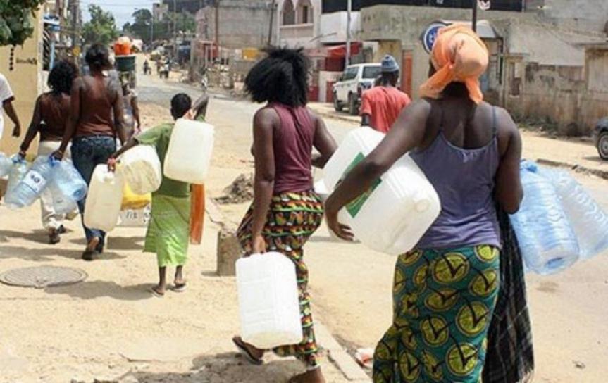 distribution-de-l-039-eau-mauvaise-nouvelle-pour-les-menages-1207440.jpg