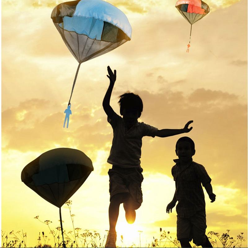 5-PCS-Enfants-Triangle-Jouet-Main-Lancer-Parachute-Cerf-Volant-En-Plein-Air-Jouer-Jeu-Jouets.jpg