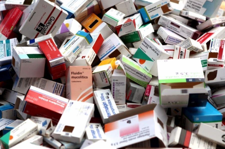 Medicaments-ACN_ARAIMA20111214_0067_20.jpg