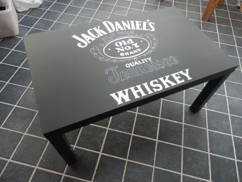 table basse   peint
