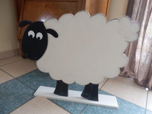 un mouton géant