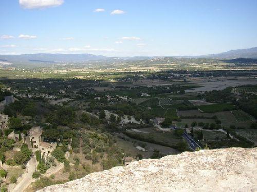 Vue de la plaine au pied de GORDES