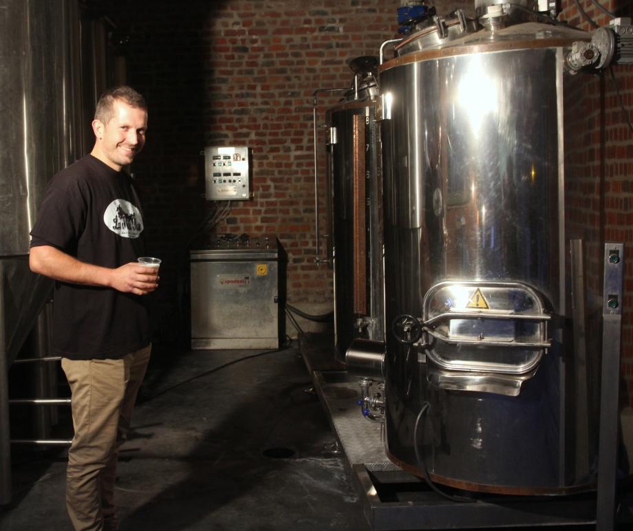 Johan Barbry confectionne lui-même la bière