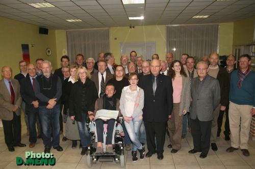 Le rotary-club a offert à André Boucq un bien beau chèque, le fruit du repas champêtre d'août 2012.