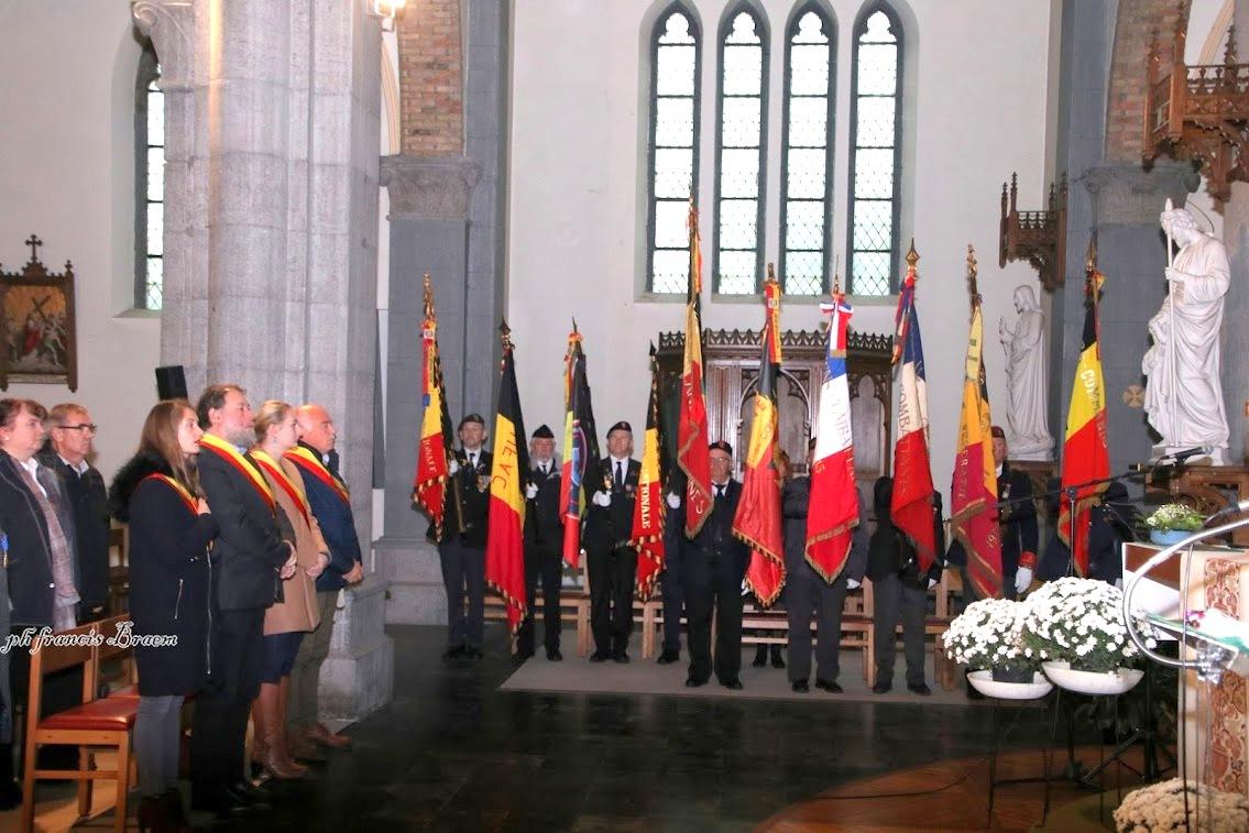 C'est au sein de l'église de Ten Brielen que débutèrent les cérémonies patriotiques.