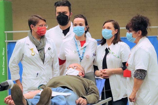 Ploegsteert, les dons du sang .L'infirmier et les infirmières, ont malgré tout, gardé le sourire, mais ce jour ils n'ont pas été bousculés.