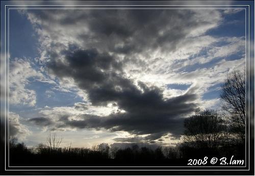 En fin d'aprés midi ! Un ciel tourmenté ..