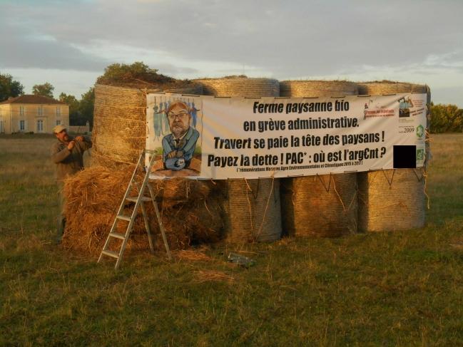 banderole caricature impression numérique Travert se paie la tête des paysans