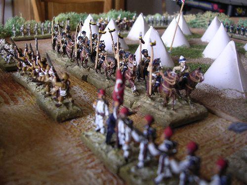 2 escadrons de lanciers du bengal viennent aussi se positionnés derrière l\'infanterie