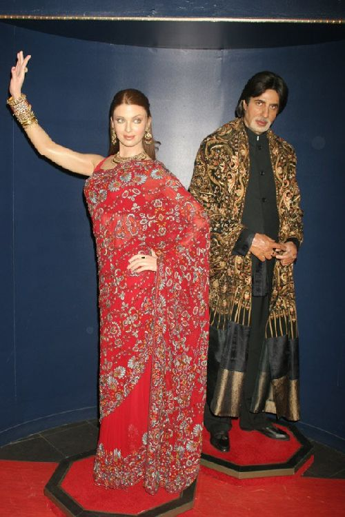 Statue d\'Amitabh Bachchan et d\'Aishwarya Rai.