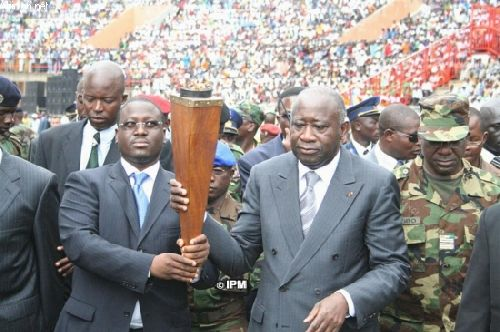 Cérémonie de la flamme de la paix en Côte d\'Ivoire