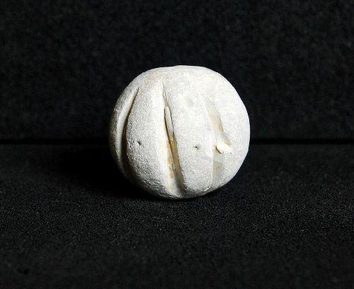 Une balle de mousquet ciselée