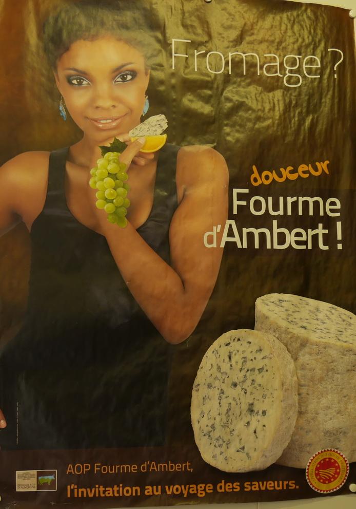 Ensuite, visite à la fromagerie pour acheter des portions du label du pays
