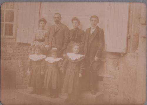 famille DEGROUAS Alençon vers 1903.jpg