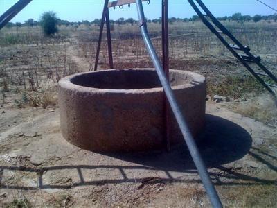 Le  puits du périmètre qui doit être surcreuser