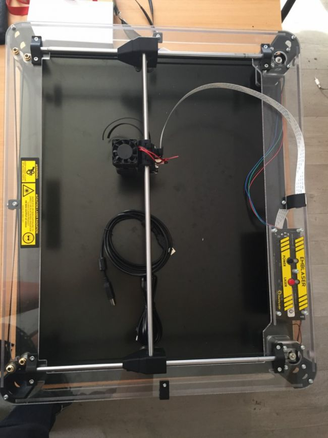 nouvelle découpeuse laser emblaser 1 puissance 4W format de découpe A3