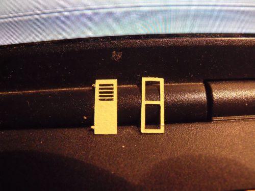 volet et  son cadre  les gonds fond 1.5mm par 1mm
