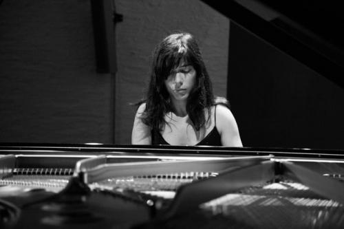 Juliette Granier au piano.jpg
