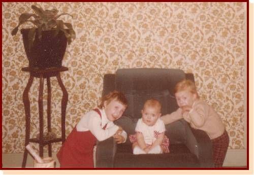 Ma Grande soeur Lydie et ma petite soeur Sophie et Moi !