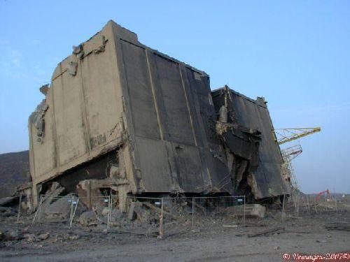 Tour à charbon batterie 10-11