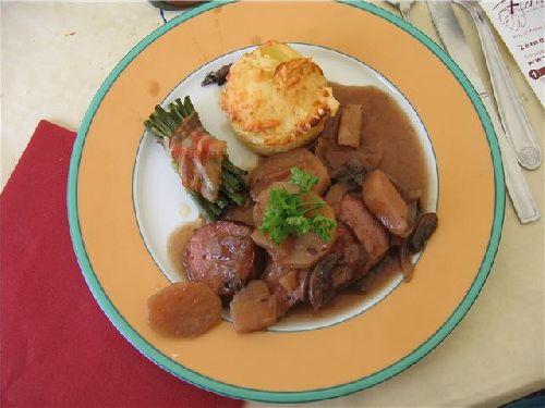 Menu : Saucisson cuit au Saumur Rouge... Hum !