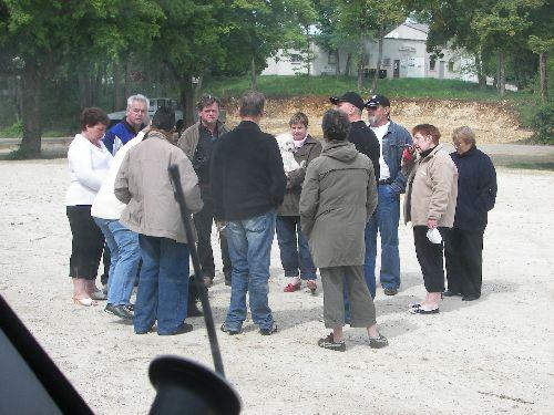 Les Bédouins se regroupent pour la visite.