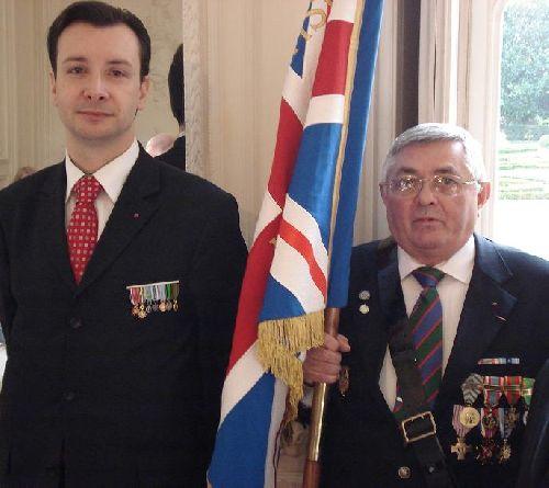 2011 - Monsieur Stéphane Galardini et le Porte Drapeau de l'ANFB